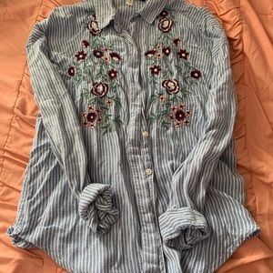 Tops - Button up blouse